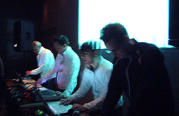 Fun with Raster-Noton (Olaf Bender, Carsten Nicolai, Frank Bretschneider) at Middlesex, Cambridge (15jan2009)